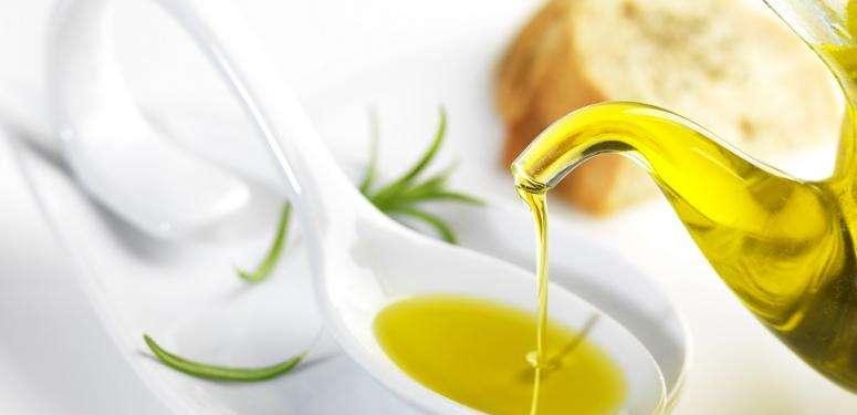 Как использовать оливковое масло для ухода по дому