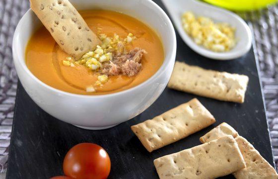 Холодный суп-пюре сальморехо с тунцом