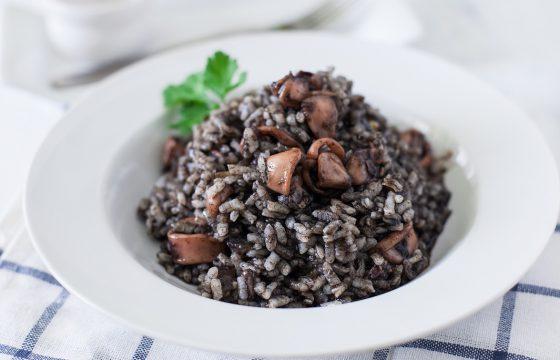«Жидкий» рис с кальмарами