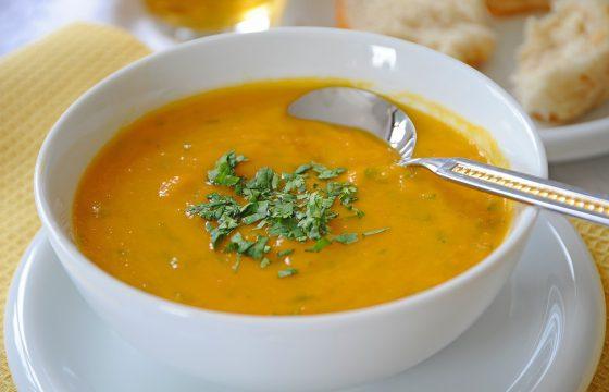 Красный оливковый суп